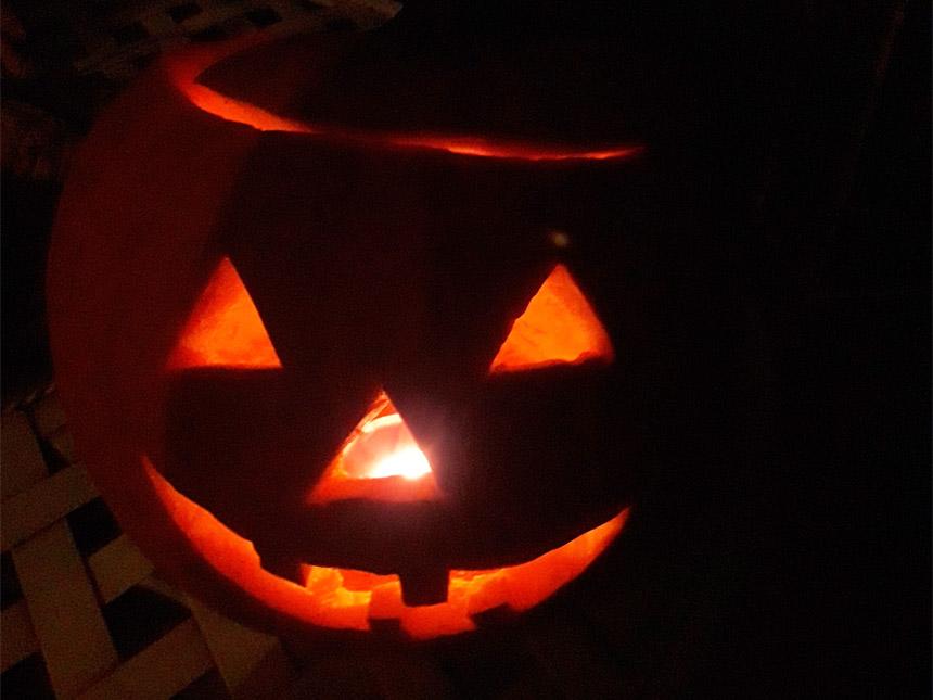 Halloween Schaurige Oder Herbstliche Kürbis Schnitzereien