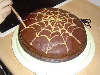 halloween rezept halloween torte. Black Bedroom Furniture Sets. Home Design Ideas